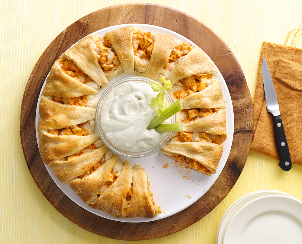 buffalo chicken crescent ring appetizer