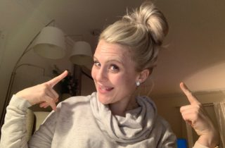 Johnson's Baby Powder Beauty Hacks: The Messy Bun